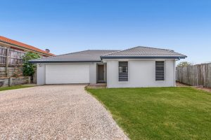 112 Silky Oak Cr